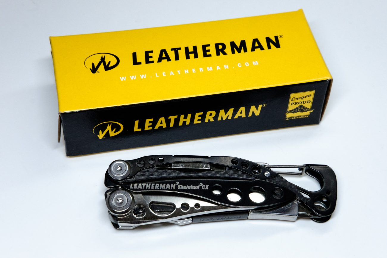 Leatherman Skeletool CX multi tool with original box (color photograph)